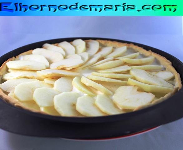 Crema cubierta de manzana